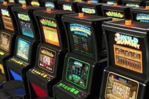Многофункциональный игровой видеослот Win Win в казино Лавина