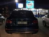 В Киеве в АТБ заметил шикарный Bentley bentayga может
