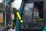 В Китае школьник угнал автобус и катался по городу