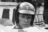 Помер легендарний гонщик, заснував традицію обливатися шампанським на подіумі