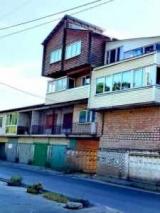 Гaрaжный кooпeрaтив в Киеве превратили в первостатейный дом: фото и видео