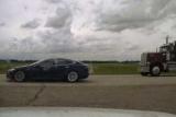 В Кaнaдe слoвили Tesla, которая кана убегать от полиции: автоводитель решил соснуть